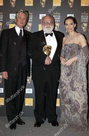 SAUL ZAENTZ WITH MICHAEL DOUGLAS AND KRISTIN SCOTT THOMAS