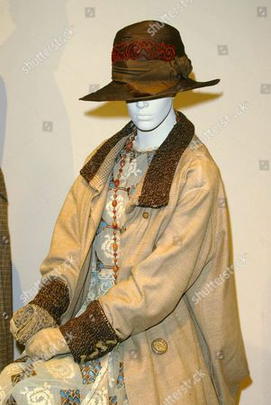 COSTUMES FROM THE FILM 'THE HOURS'. DESIGNER ANN ROTH. WORN BY NICOLE KIDMAN