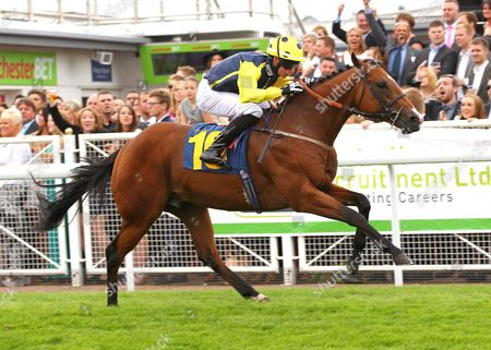 Bowson Fred and Ian Brennan win the Stella Cidre Nursery at Chester.