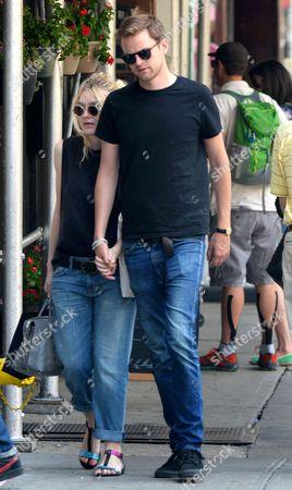 Dakota Fanning and Jamie Strachan