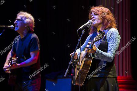 Roseanne Cash in concert