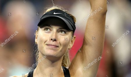 Maria Sharapova beats Maria Kirilenko in straight Sets in 1st Round Match on Ashe Stadium Court