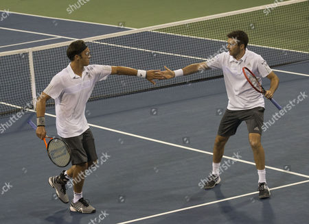 Colin Fleming and Ross Hutchins in action in the First Round of the US Open