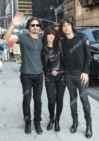 The Last Internationale - Brad Wilk, Delila Paz, Edgey Pires