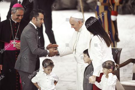 Alessandro Del Piero, wife Sonia Amoruso and children with Pope Francis I