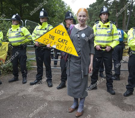 Designer Vivian Westwood Gives Her Support To The Protestors At The 'fracking' Site At Balcombe In West Sussex. 16.08.13.