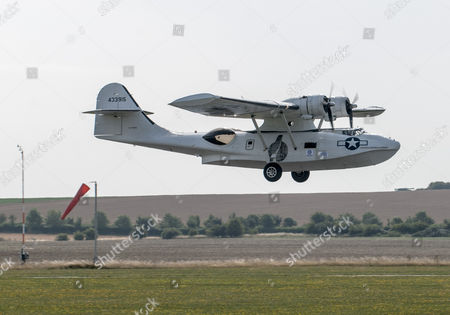 Project Hawker: A Catalina Aircraft Takes Off From Raf Duxford In Cambridgeshire For The Start Of A Round Britain British Circuit Race Sponsored By The Daily Mail. 21.08.13 Reporter Steve Bird.