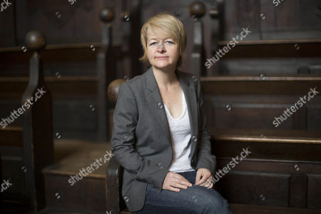 Sarah Waters poses in the Divinty School at the Bodleian Library