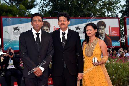 Vivek Gomber, Chaitanya Tamhane, Geetanjali Kulkarni