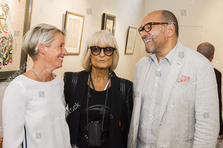 Barbara Hulanicki and Bruce Oldfield with gallery owner Connie Gray