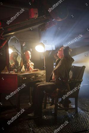 Tom Beard as Oliver Diggory