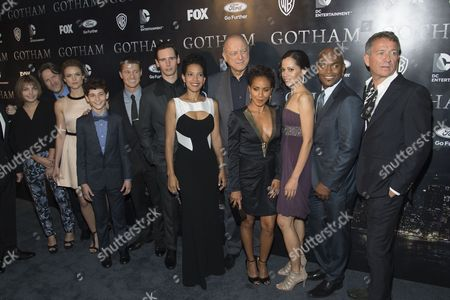 Stock Photo of Donal Logue, Camren Bicondova, Erin Richards, David Mazouz, Benjamin McKenzie, Cory Michael Smith, Zabryna Guevara, John Doman, Jada Pinkett Smith, Victoria Cartagena, Andrew Stewart-Jones, and Sean Pertwee
