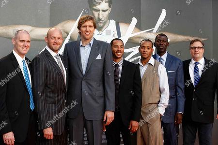 Stock Photo of Coach Rick Carlisle, Brian Cardinal, Dirk Nowitzki, Devin Harris, Monta Ellis, Michael Finley and General Manager Dallas Mavericks Donnie Nelson