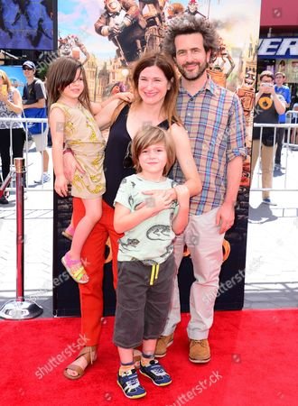Stock Image of Kathryn Hahn and Ethan Sandler with children Leonard and Mae