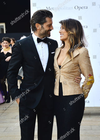 Stock Image of Louis Dowler and Jennifer Esposito