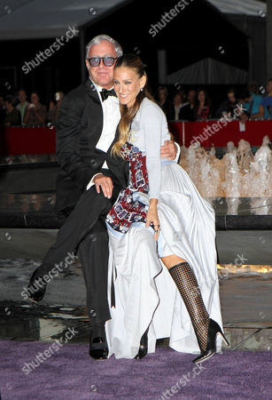 Scott Wittman and Sarah Jessica Parker