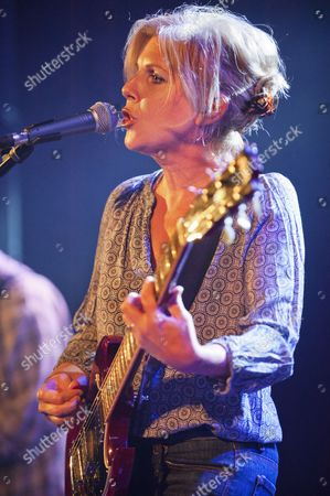 Support act - Tanya Donelly