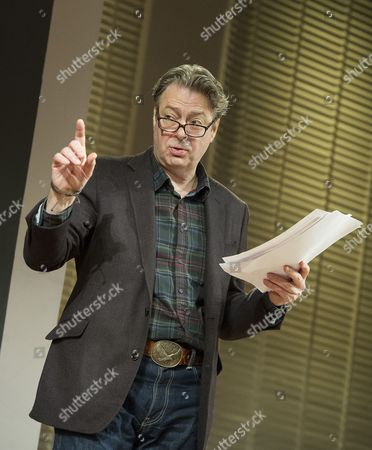 Roger Allam as Leonard,