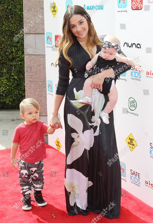 Alisan Porter and children