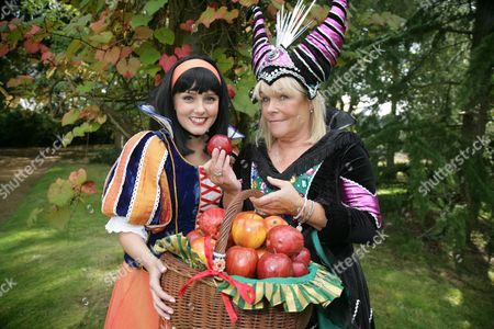 Lauren Stroud as Snow White and Linda Robson as the Wicked Queen