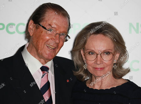 Sir Roger Moore, Kristina Tholstrup