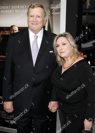 Ken Howard, Linda Fetters