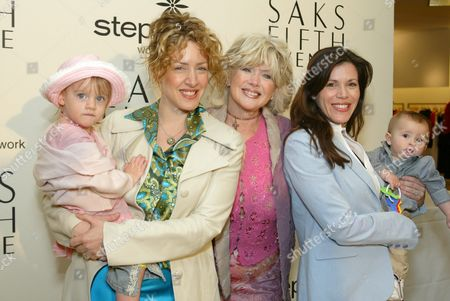 Joely Fisher, her daughter Skylar Grace Fisher Duddy, Connie Stevens, Tricia Leigh Fisher and her son Holden