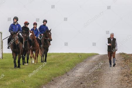 John with Ollie Pimlot-Hubteras Ian Brennan-The Wow Signal Laura Barry-Racing Spirit Dean Pratt-Racing Pulse John Qinn Yard Visit Malton Gallops