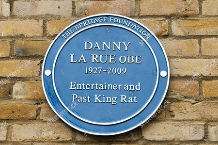 Unveiling Of A Blue Plaque For Former Comedian Danny La Rue At Brinsworth House In Twickenham. 22.9.13.