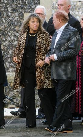 Suzi Quatro arriving with Mike Batt