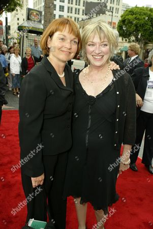 Pamela Reed and Veronica Cartwright