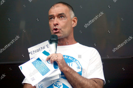 Tommy Sheridan - tears after his daughter's speech