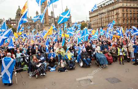 The Crowd at George Square in Glasgow for a Rally for Scottish Independence Organised by Tommy Sheridan.