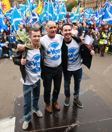 Martin Compston and Paul Brannigan with Tommy Sheridan