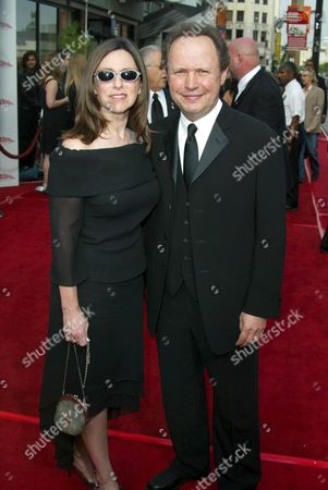 Stock Photo of BILLY CRYSTAL AND JANICE GOLDFINGER