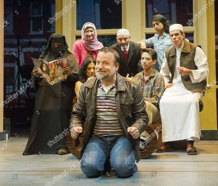 Centre Kev Orkian as Mahmoud,