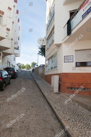 Street In Praia Da Luz Where Irish Holiday Makers Martin Smith And His Wife Claim They Saw A Mystery Person With A Child About The Same Time As Madeleine Mccann Disappeared In May 2007.  14.10.13 Reporter Neil Sears And Rebecca Camber.