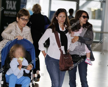 Penelope Cruz (R) and children Leo Encinas Cruz and daughter Luna Encinas Cruz