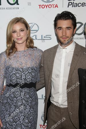 Stock Photo of Emily VanCamp with Joshua Bowman