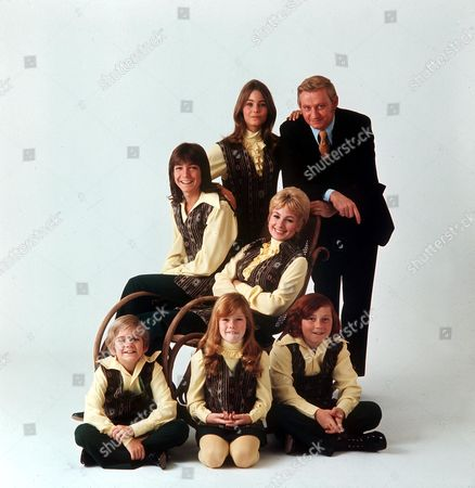 THE PARTRIDGE FAMILY - DAVID CASSIDY, SHIRLEY JONES, SUSAN DEY, DANNY BONADUCE, BRIAN FORSTER, SUZANNE CROUGH, AND DAVE MADDEN
