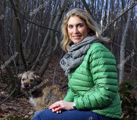 Joanna Yarrow