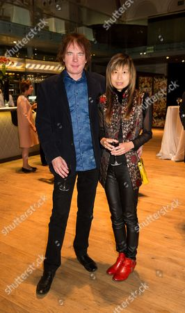 Stock Picture of Julian Lloyd Webber and Jiaxin Cheng