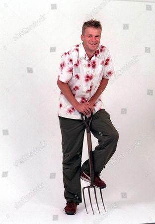 Editorial photo of TV GARDENER SVEN WOMBWELL - 2002