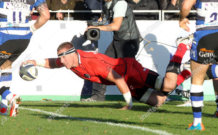Imanol Harinordoquy of Toulouse dives over to score a try Bath v Toulouse - 25/10/2014 - European Rugby Champions Cup - The Recreation Ground, Bath - UK  Andrew Fosker / Seconds Left Images / Rex