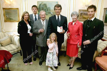 PIERCE BROSNAN WITH HIS FAMILY, ADOPTED CHILDREN CHARLOTTE AND CHRISTOPHER, FATHER BILL, PIERCE, GRANDAUGHTER ISABELLA (4 1/2), MOTHER MAY AND SON SEAN