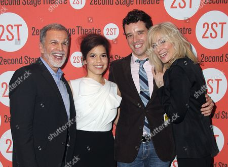 Tony Plana, America Ferrera, Michael Urie, Judith Light