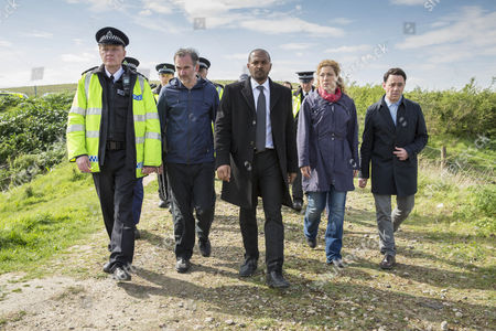 Paul Ritter as Leonard Vance, Alex Kingston as Ruth Hattersley, Reece Shearsmith as DS Sean Stone and Noel Clarke as DCI Carl Prior