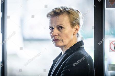 Anastasia Hille as DCI Andrea MacGregor.