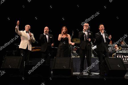 Wil Salden, Ellen Bliek and the Glen Miller Orchestra