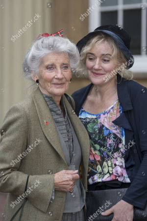 Stock Image of Phyllida Law seen after receiving her OBE for services to Drama and for charitable services, with daughter Sophie Thompson